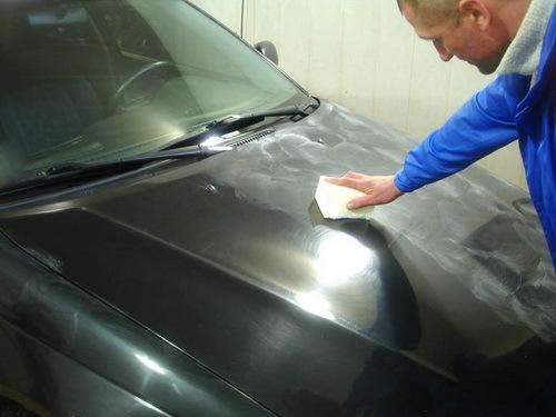 Защитная полироль для автомобиля: виды и назначение