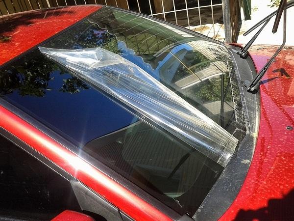 Пленка для бронирования стекол: как защитить лобовое стекло от сколов?