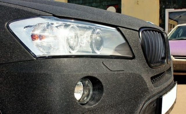 Как обтянуть пленкой машину и чем обклеить авто?