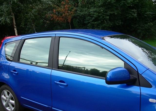 Тонировка пленкой Инфинити стекол автомобиля