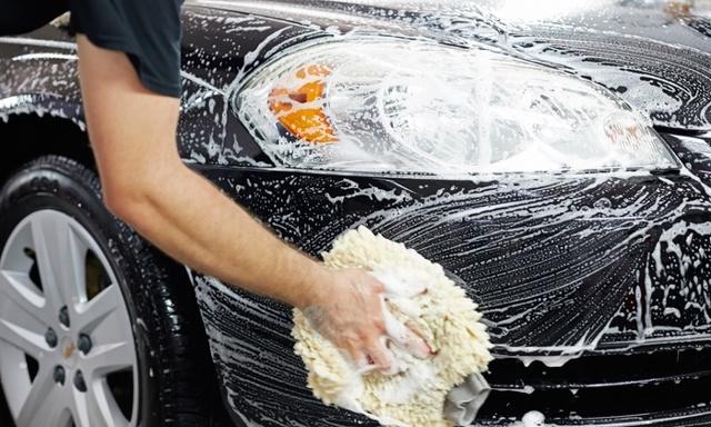 Можно ли мыть машину Фейри и что нужно знать об автошампунях?