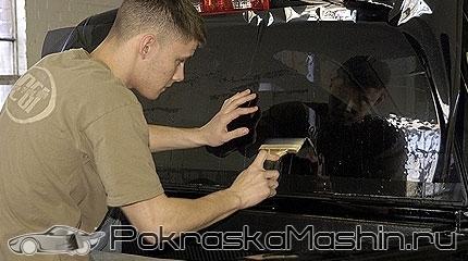 Как правильно клеить тонировку: советы, как наклеить пленку на машину