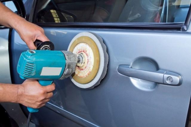 Абразивная полировка кузова автомобиля и полировальная паста для авто