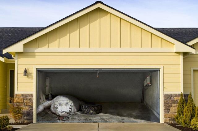 Аэрография на гараже: этапы нанесения рисунка на ворота гаража (фото)