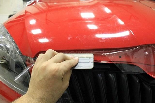 Пленка защитная для кузова: оклейка капота авто и отзывы о покрытии